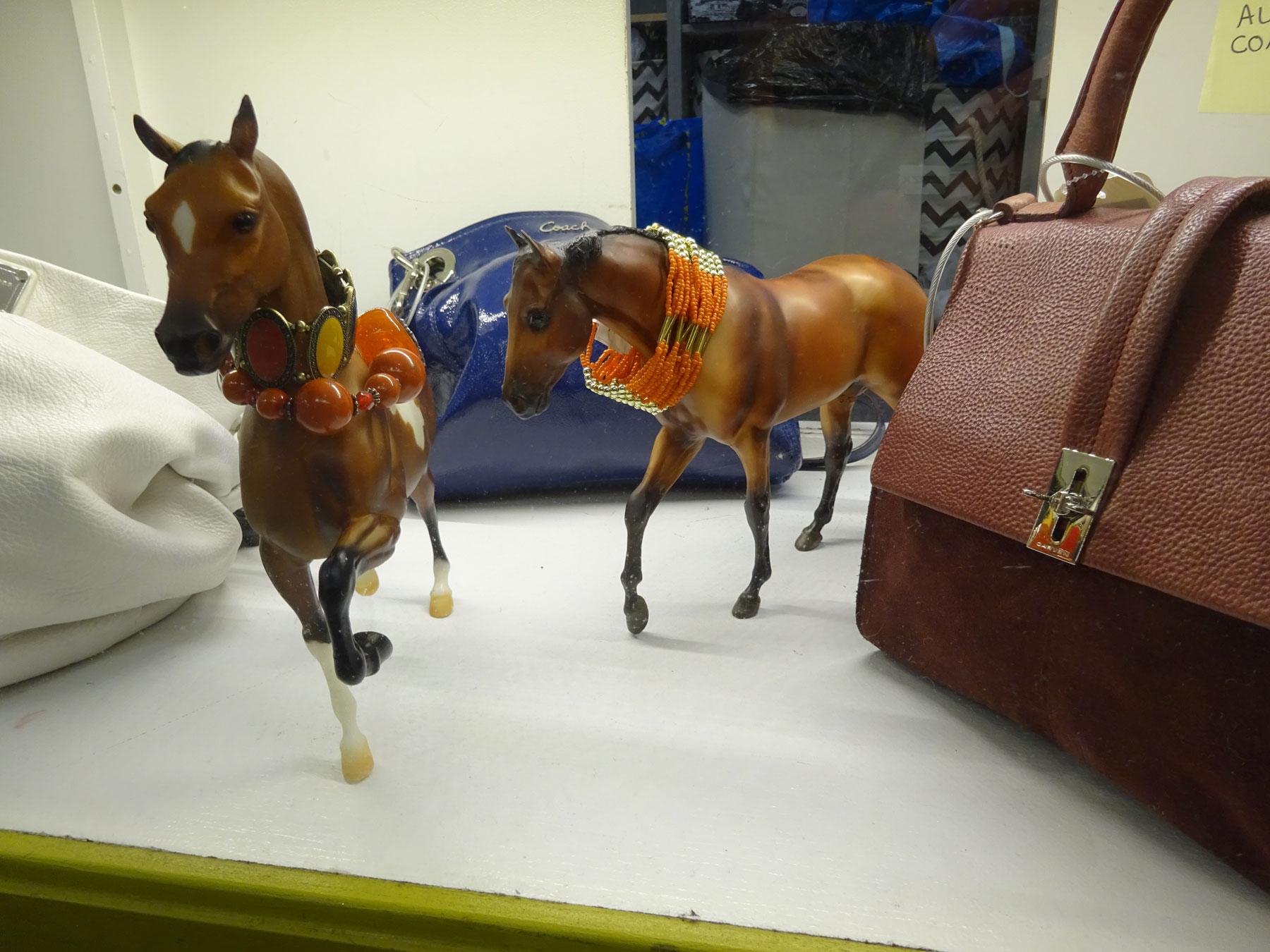 DSC00863-horses-1800x1350