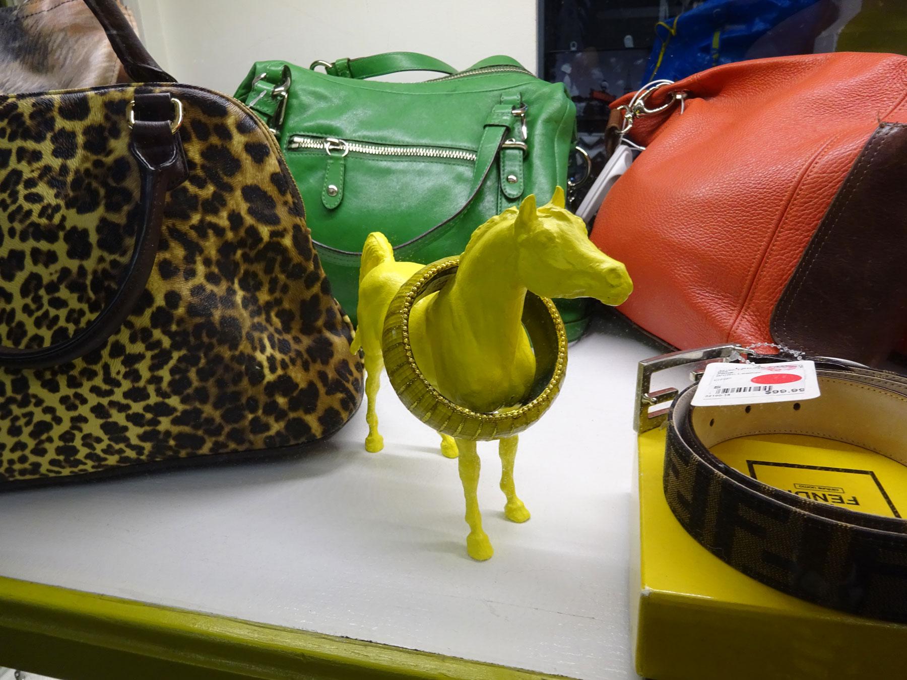 DSC00864-yellow-horse-1800x1350